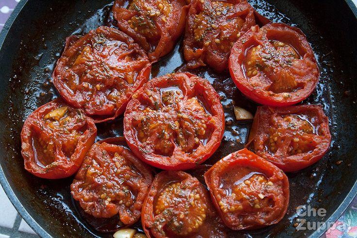 Pomodori imporchettati, arrosto in padella • Chezuppa!Chezuppa!