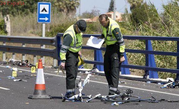 Muere otro de los ciclistas atropellados en Oliva por una conductora ebria y drogada