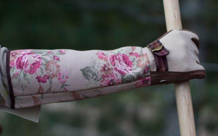 #gardengirl #rosegloves #mustilantaimitarha #puutarhamyymälä #mustila #gardenshop