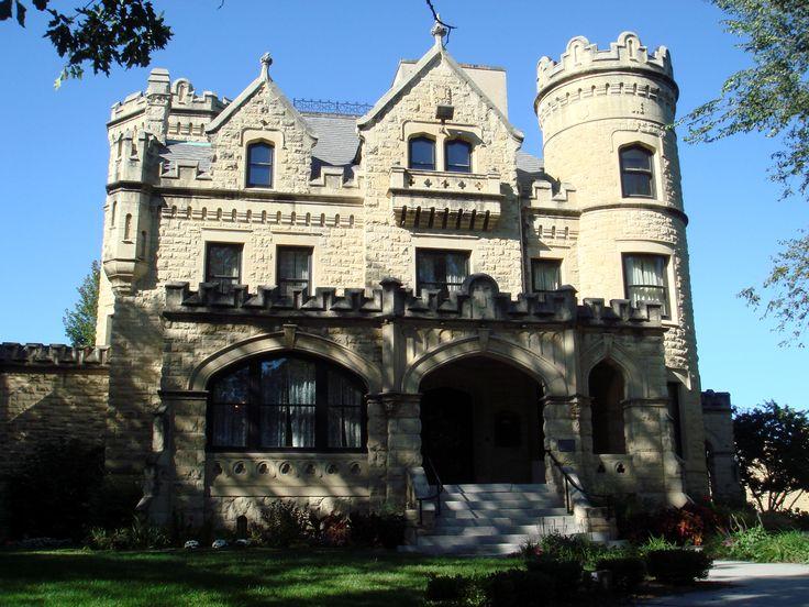 Celebrity home villas omaha ne