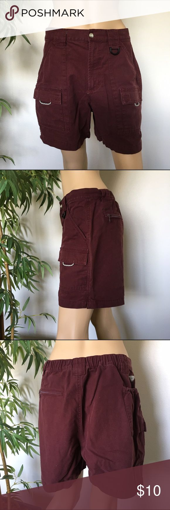 Columbia Burgundy Shorts size M 6 L Pre loved in great 👍 condition size M 6 burgundy color shorts Columbia Shorts