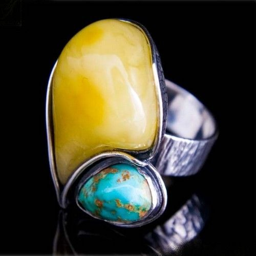 AMBER AND TURQUOISE RING - SET IN STERLING SILVER