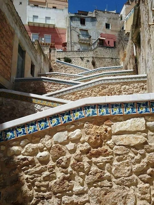 La scalinata a zig zag di Sciacca  ( Agrigento ) Foto di  Luana Leonte