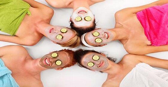 Mach dir diese DIY Gesichtsmaske nach und du wirst makellose Haut haben