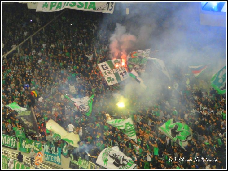 Panathinaikos fans singing
