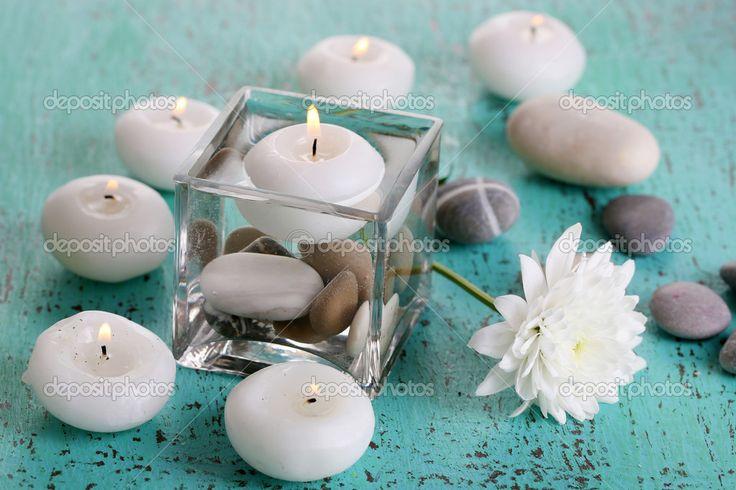 depositphotos_32686135-stock-photo-decorative-vase-with-candles-water.jpg (1023×682)