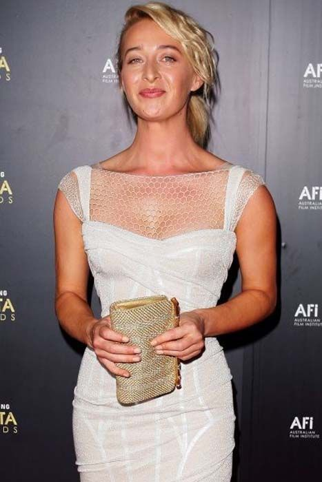 Asher Keddie on the AACTA Red Carpet