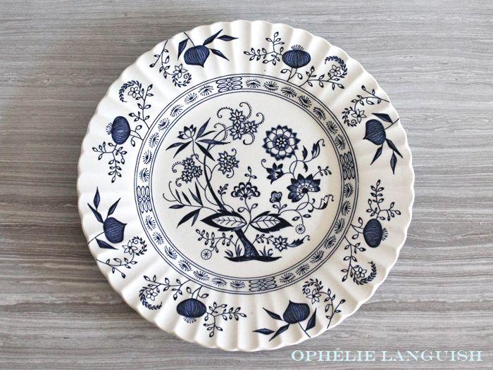 Vintage Blue Nordic Cobalt Blue and White Dinner Plate by J\u0026G Meakin - Made in England  sc 1 st  Pinterest & 58 best Vintage Dinnerware images on Pinterest | China patterns ...