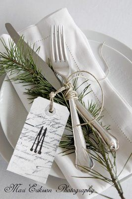 Place Setting with Evergreen ... Wedding ideas for brides, grooms, parents & planners ... https://itunes.apple.com/us/app/the-gold-wedding-planner/id498112599?ls=1=8 … plus how to organise an entire wedding ♥ The Gold Wedding Planner iPhone App ♥