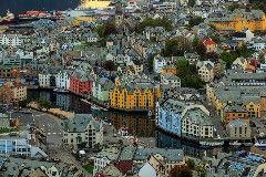 Terra dos Vikings, Fiordes, museus, gastronomia e simpatia, ao Norte da Europa a Escandinávia é formada por alguns dos países mais desenvolvidos do mundo: Dinamarca, Noruega, Suécia, Finlândia e …