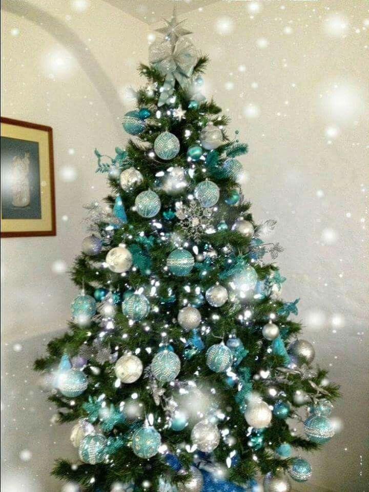 hermoso rbol de navidad verde con azul