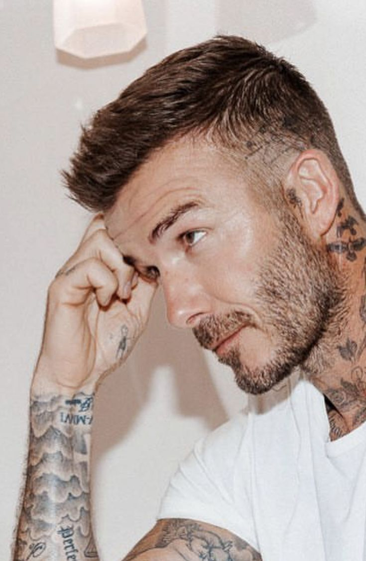 Inter The Gloss New Photo Shoot With David Beckham Beckham David Gloss Inter Photo Shoot David Beckham Kurze Haare Beckham Frisur Frisur Undercut