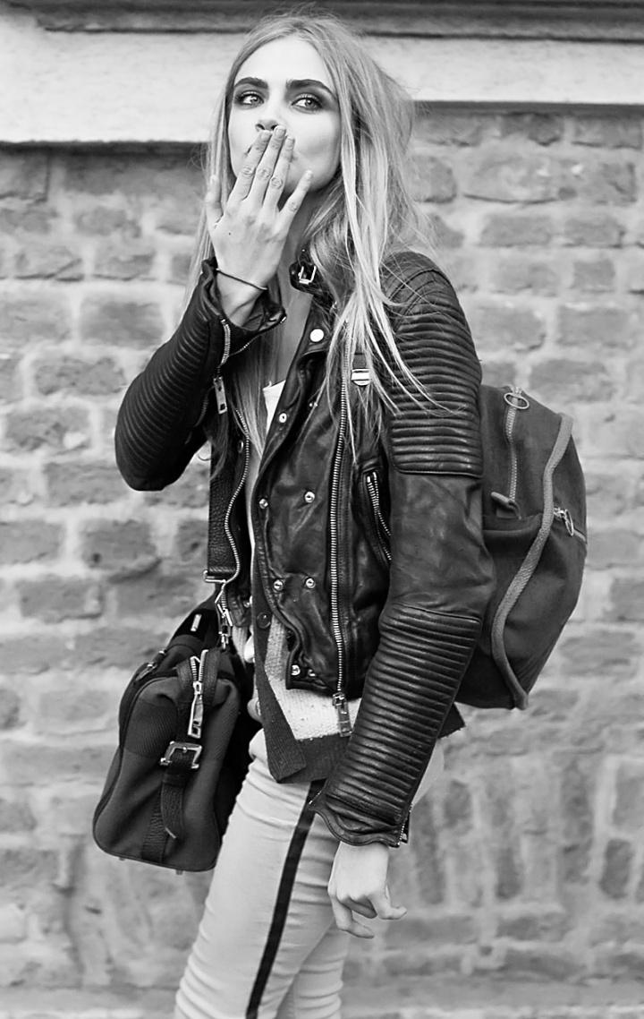 moto jacket: Girls Crushes, Leatherjacket, Fashion, Rockers Style, Street Style, Delevingne Face, White Pants, Leather Jackets, Caradelevingne