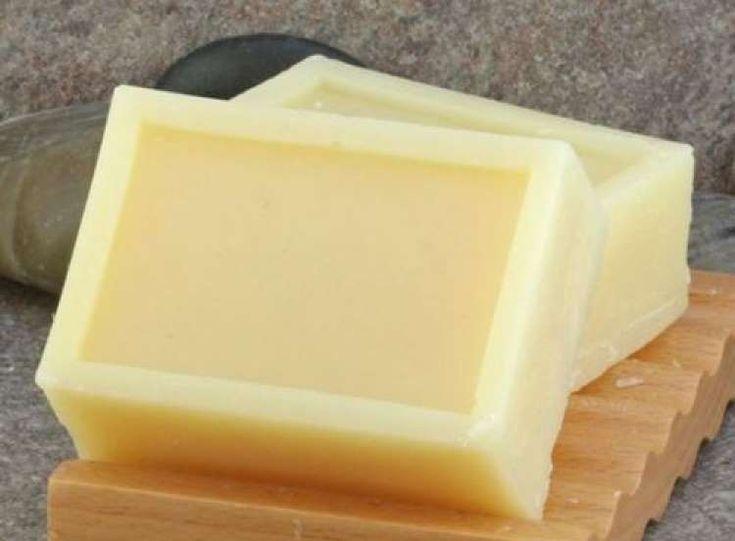Añade dos buenas cucharadas de miel ecológica a la receta base y obtendrás un jabón muy perfumado y ... - Rebañando