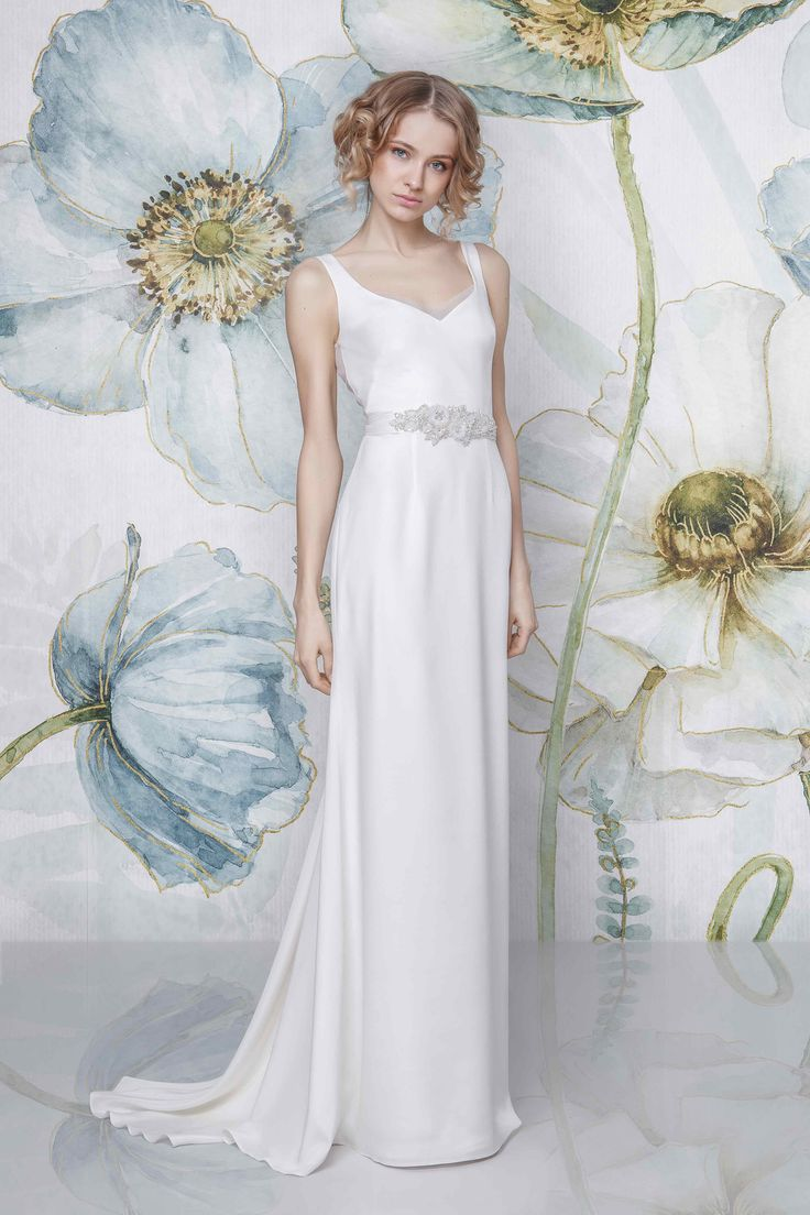 CAYLA I Sadoni Bridal 2018 - Pure silk dress with open back and triangle train - LOA belt - www.sadoni.no
