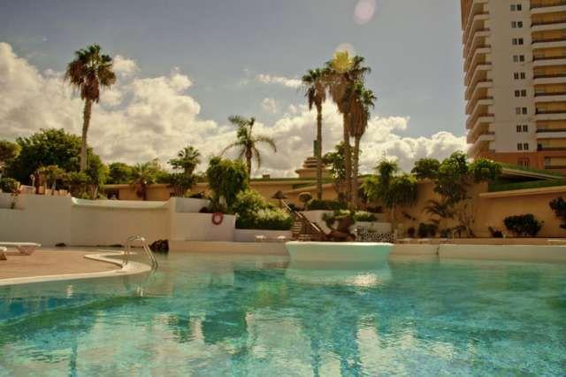 Fantastico apartamento en res, Club Paraiso, Playa Paraiso, de 54 m2, incluye terraza de 5m2 vistas panoramicas, soleada desde la ma�ana, con un dormitorio doble, ba�o completo, cocina americana totalmente equipada, sal�n comedor. Complejo con piscina com