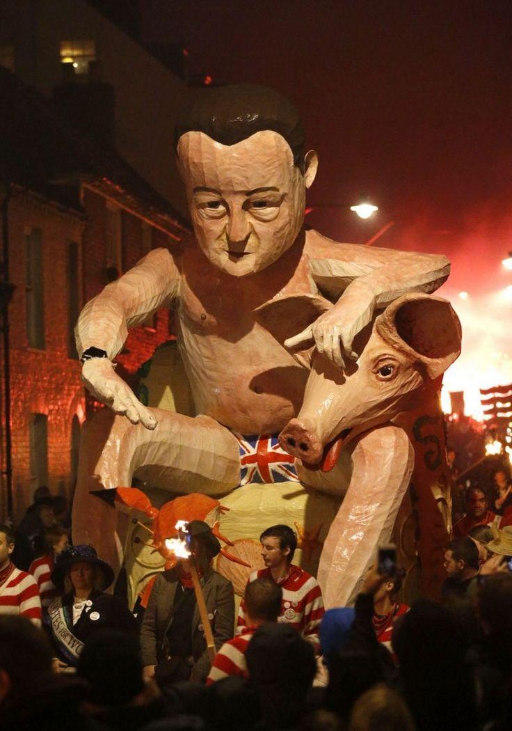 Lewes Bonfire: Naked David Cameron and Jeremy Clarkson effigies burned at the stake
