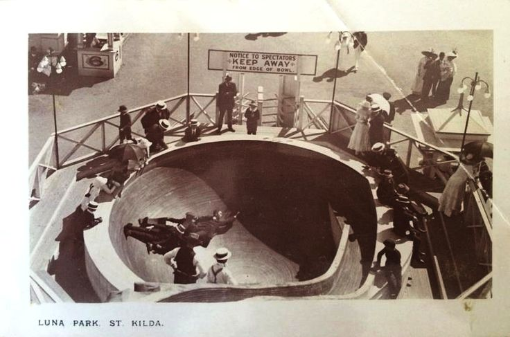 St.Kilda-Bowl Luna Park