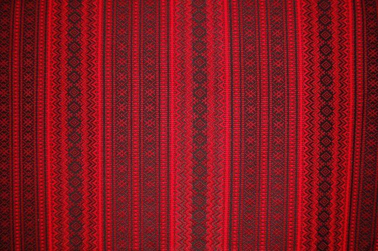 """ткань """"Орепей"""" (красный с черным) Двухсторонняя рисунок по ширине ткани (по утку). ширина 1,5м. цена 700 руб.п/метр"""