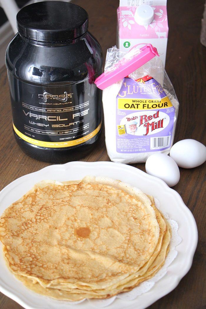 Store, tynne, perfekte pannekaker! Oppskrift pannekaker: (5 stykker) 2 egg 1,2 dl melk 25 g vaniljeprotein 50 g (glutenfri) havremel
