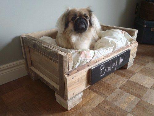 cr er un panier pour chien avec une palette en bois meubles pinterest diy pallet diy. Black Bedroom Furniture Sets. Home Design Ideas