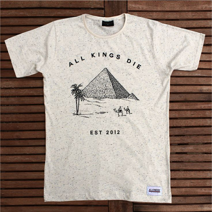 [TOTD] Cream Speckled Pyramid by AKD  Le T-shirt du jour est édité par All Kings Die, une marque indépendante qui nous vient tout droit de Glasgow. Et il a tout ce qu'il faut pour plaire : une illustration en résonance avec le nom du label, un joli traité (qui nous rappelle un peu le style des paquets Camel…) et une base crème mouchetée bien stylé. Concept, clean, efficace…  http://www.grafitee.fr/tee-shirt/cream-speckled-pyramid-akd/  #TOTD #lifestyle #speckled #Tshirt #UK #AllKingsDie