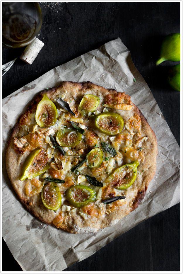 Pizza de Figos, Queijo de Cabra e Ervas.