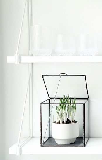 Via NordicDays.nl | My Second Hand Life | White | IKEA Gallo