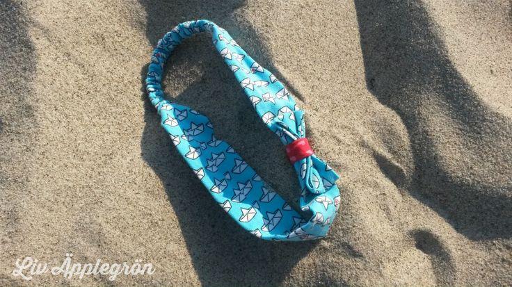 Kostenloses Schnittmuster für ein Haarband: http://www.kreativlaborberlin.de/naehanleitungen-schnittmuster/haarband-mit-schleife-in-5-groessen-baby-erwachsene/