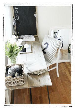 Bureau avec des palettes en bois
