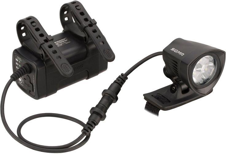 Bring on the night: die Buster 2000 HL Helmlampe von Sigma Mit 2000 Lumen ist die Buster 2000 HL Deine Powerleuchte für perfekt ausgeleuchtete Wege. Das leistungsstarke Battery Pack und die superleichte Remote mit fluoreszierenden Tasten sind i...