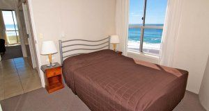 President Apartments - 1 Bedroom Standard Apartment - Surfers Paradise Holiday Apartments