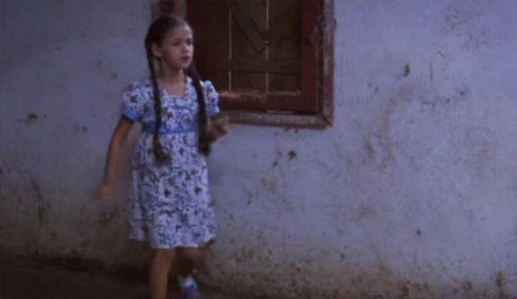 Dress batik, kain tradisional yang kini telah diakui dunia.