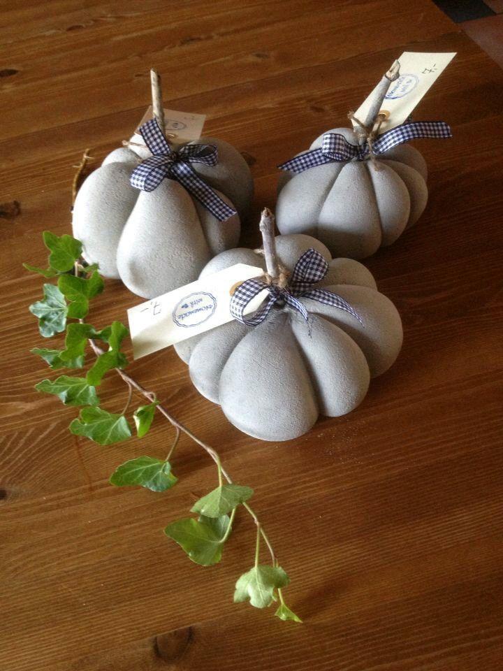 kürbis aus beton~~~pumpkin made of cement~~~dekoration-decoration, Hause und Garten