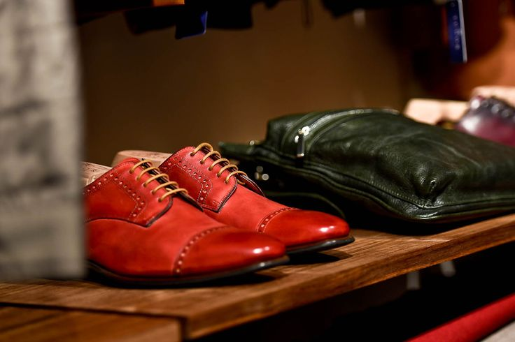 100% natural red leather shoes, shiny at the toe cap.  This type of shoes offers more comfort than the Oxford shoes, because of the opening on the top of the shoe.  These shoes are recommended for formal meetings and special events.
