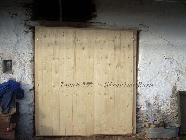 Vrata do kůlny