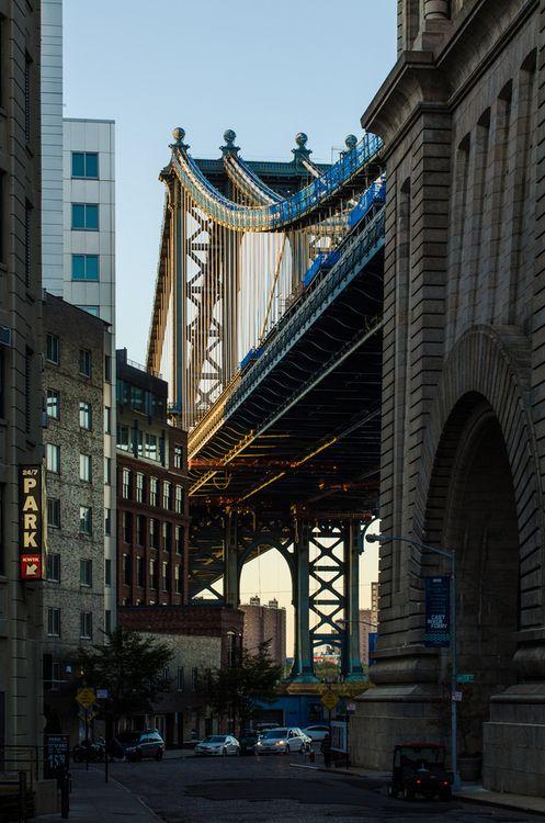 DUMBO, Brooklyn, New York. Source is theepitomeofnonchalance.com.