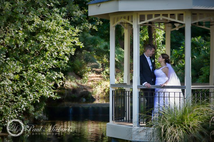 Wedding photography at Wellington Botanical Gardens. Wellington wedding venue. Photography by PaulMichaels http://www.paulmichaels.co.nz/