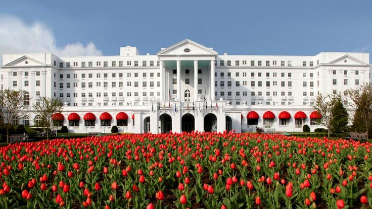The Best Hotel in Every State WEST VIRGINIA: THE GREENBRIER, WHITE SULPHUR SPRINGS The National Historic landmark opened in 1778 and sits on 10,000 sprawling acres. The hotel exudes southern charm and has 700 guest rooms with views of the Allegheny Mountains.