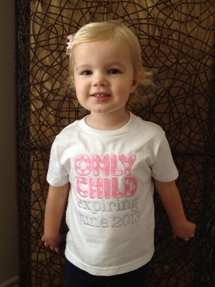 Big Sister to be!  Adorable announcement shirt from Camile's Creations on Etsy.