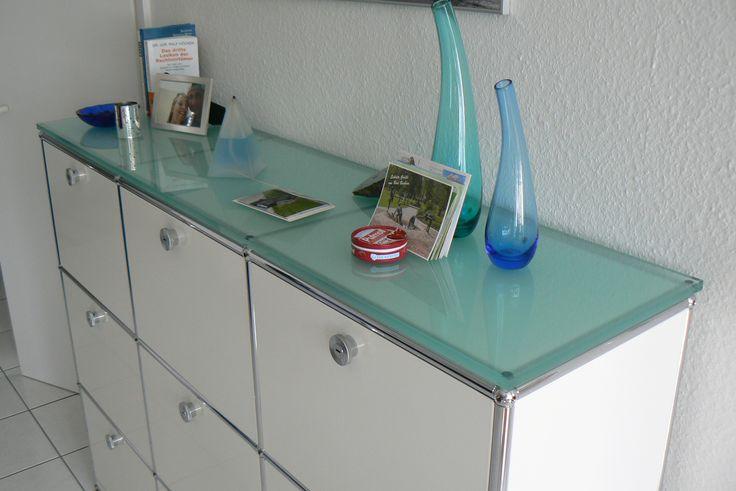 17 best images about usm haller m bel design klassiker on pinterest industrial side tables. Black Bedroom Furniture Sets. Home Design Ideas