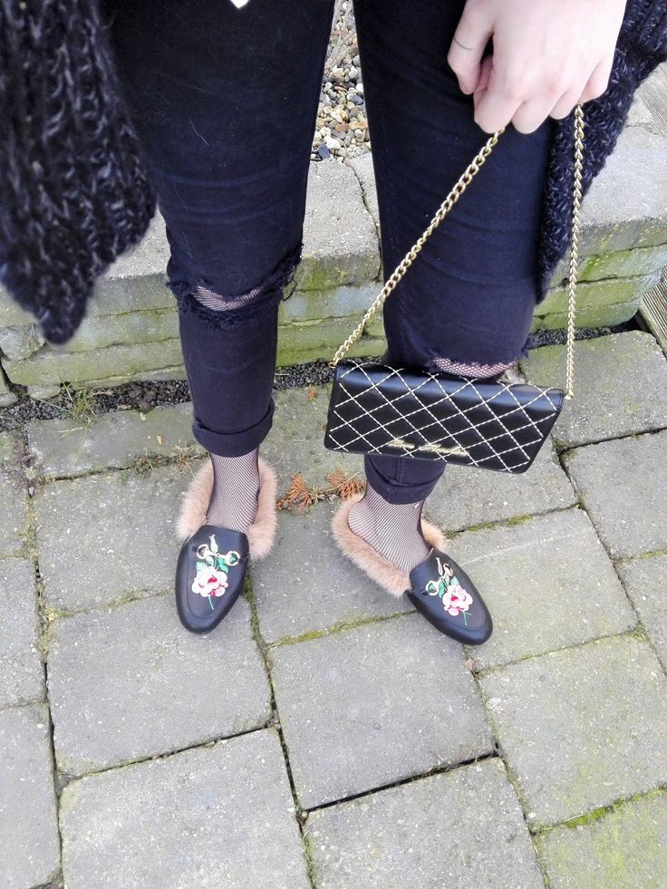 mules loafer slipper pricetown love moschino details