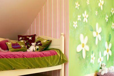 Maluj mi: Pokój dla dziewczynki w malowane kwiaty