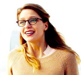 Melissa Benoist as Kara Danvers/Supergirl wallpaper in The Supergirl (2015 TV Series) Club