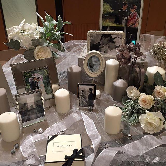 ウェルカムスペースその② 写真立ての中は、和装前撮りを中心にチャペルやエンゲージリングの写真を入れました 洋装前撮りをしなかったので、和テイストになりすぎないよう写真チョイスしました #ウェルカムスペース #nyweddingレポ #卒花 #wedding
