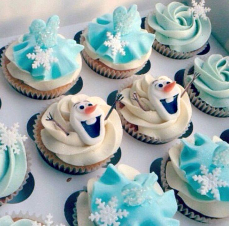 Olaf cupcakes, Elsa blue dress cupcakes, glitter, Frozen cupcakes, Frozen party ideas