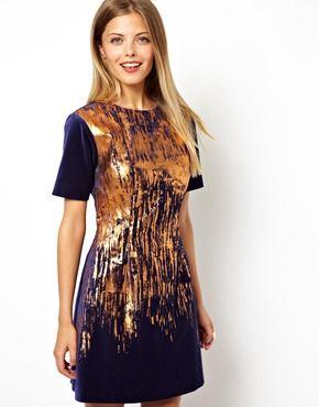 Imagen 1 de Vestido estilo camiseta de terciopelo con salpicaduras metalizadas de ASOS