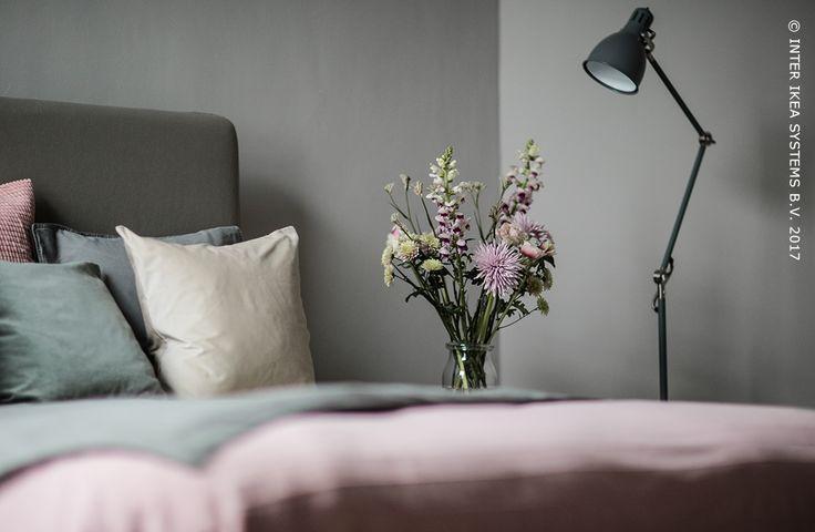 Wil je je woning wat opfleuren? Of je nu kiest voor de woonkamer, de keuken of de slaapkamer, ga voor pastelkleurige accenten en geef je interieur een romantische, maar rustige uitstraling met sfeervolle verlichting. ARÖD, Staande/leeslamp, 59,90/st. #IKEABE #IKEAxCoffeeklatch   Do you want to brighten up your place? Go for pastel accents and give your interior a romantic and peaceful atmosphere with some lighting! ARÖD Floor lamp, 59,90/pce. #IKEABE #IKEAxCoffeeklatch