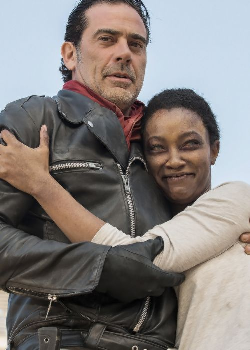 "dailytwdcast: """" Sonequa Martin-Green and Jeffrey Dean Morgan behind the scenes of The Walking Dead Season 7 Episode 16 