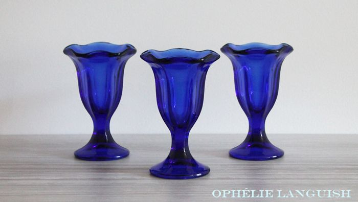 Set of 3 Vintage Anchor Hocking Cobalt Blue Parfait Ice Cream Sundae Glasses available at Ophélie Languish.   home, living, kitchen, dining, dessert, anchor hocking, ice cream, parfait, cobalt blue, soda shop, ice cream parlour, vintage, glass